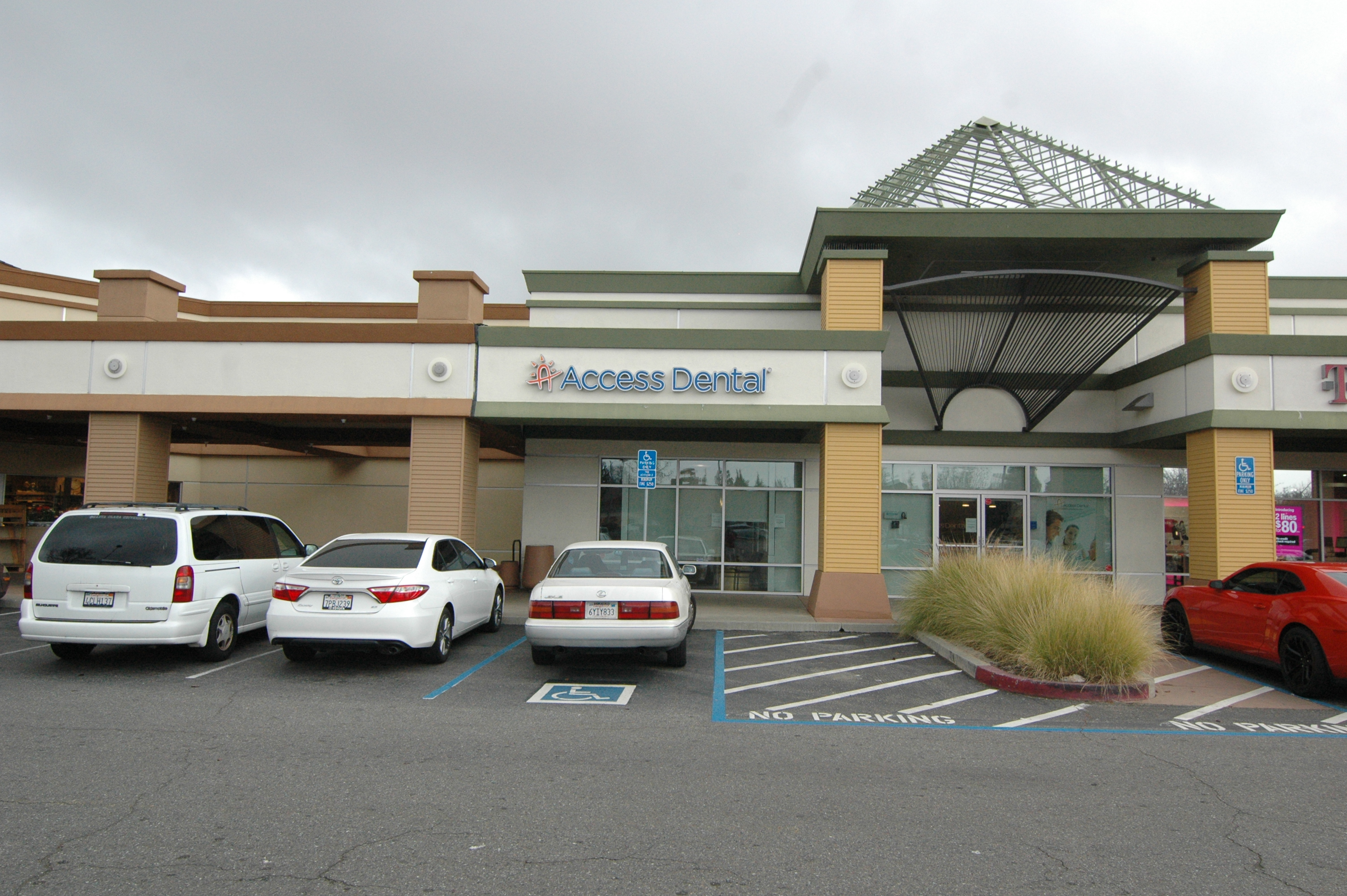 Access Dental in Hacienda Plaza